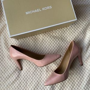 Dorothy Flex Pump Michael Kors